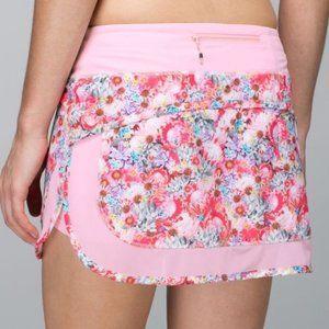 Lululemon Athletica Hottie Hot Flowabunga Skirt
